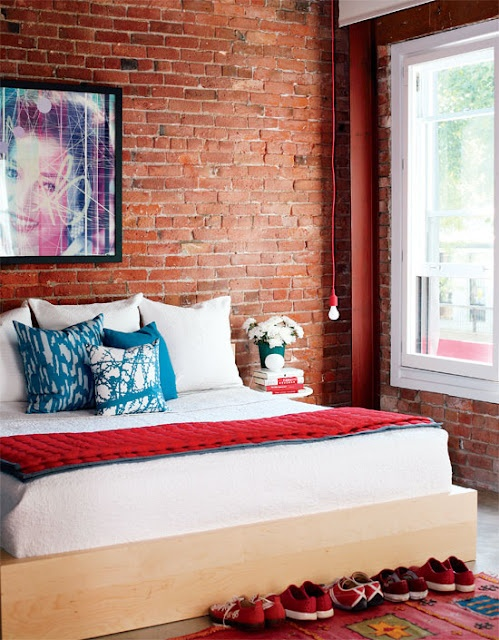 chambre mur brique rouge loft. Black Bedroom Furniture Sets. Home Design Ideas
