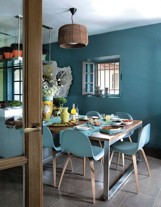 Inspirations d co bleues for Salle a manger bleu canard