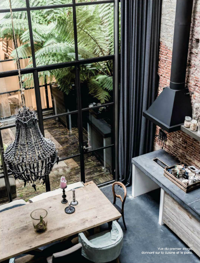 marius-haverkamp-2-amsterdam-entrepot-renove-loft-design-cuisine-patio