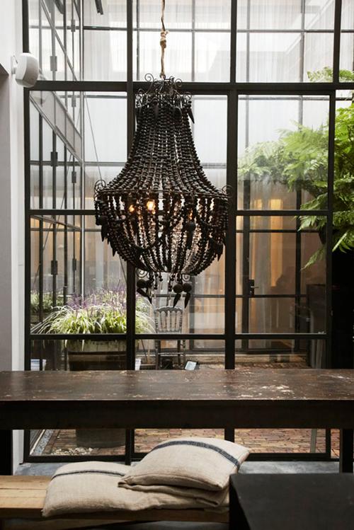 marius-haverkamp-3-amsterdam-entrepot-renove-loft-design-cuisine-lustre-patio