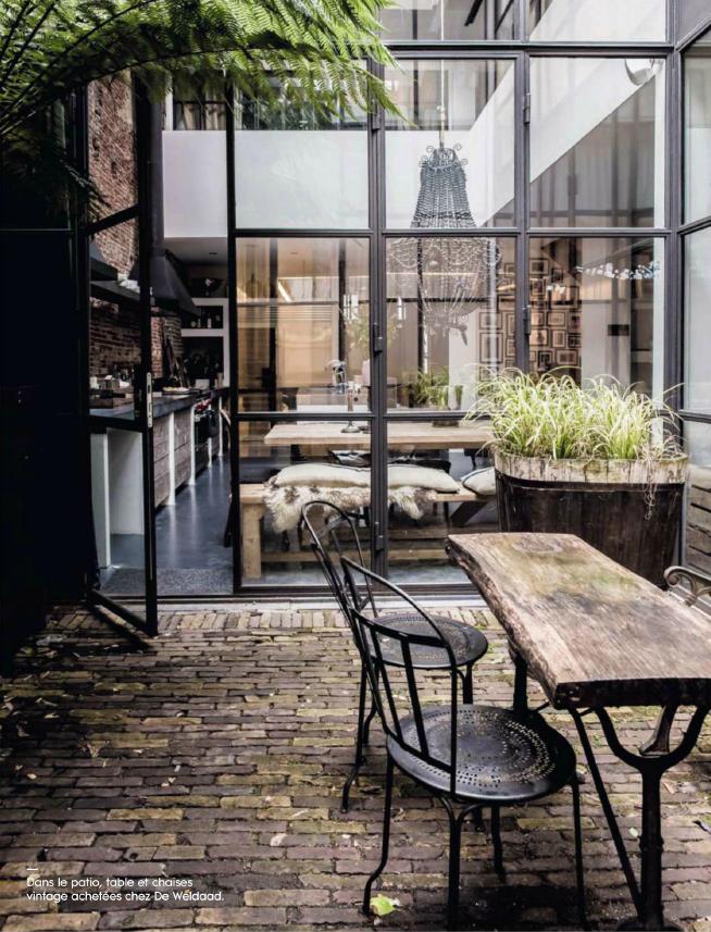 marius-haverkamp-4-amsterdam-entrepot-renove-loft-design-cuisine-lustre-patio