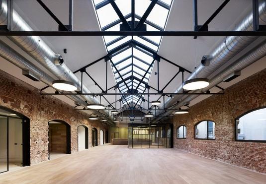 reconversion-architecture-1-bureaux-ancien-atelier