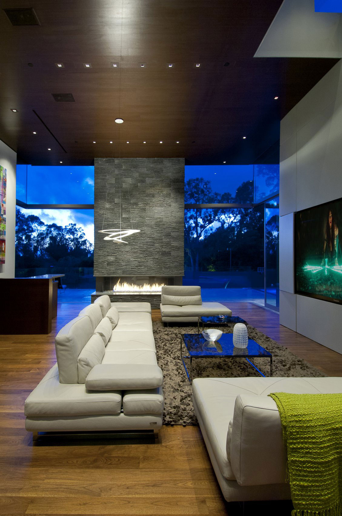villa-design-californie-cheminee