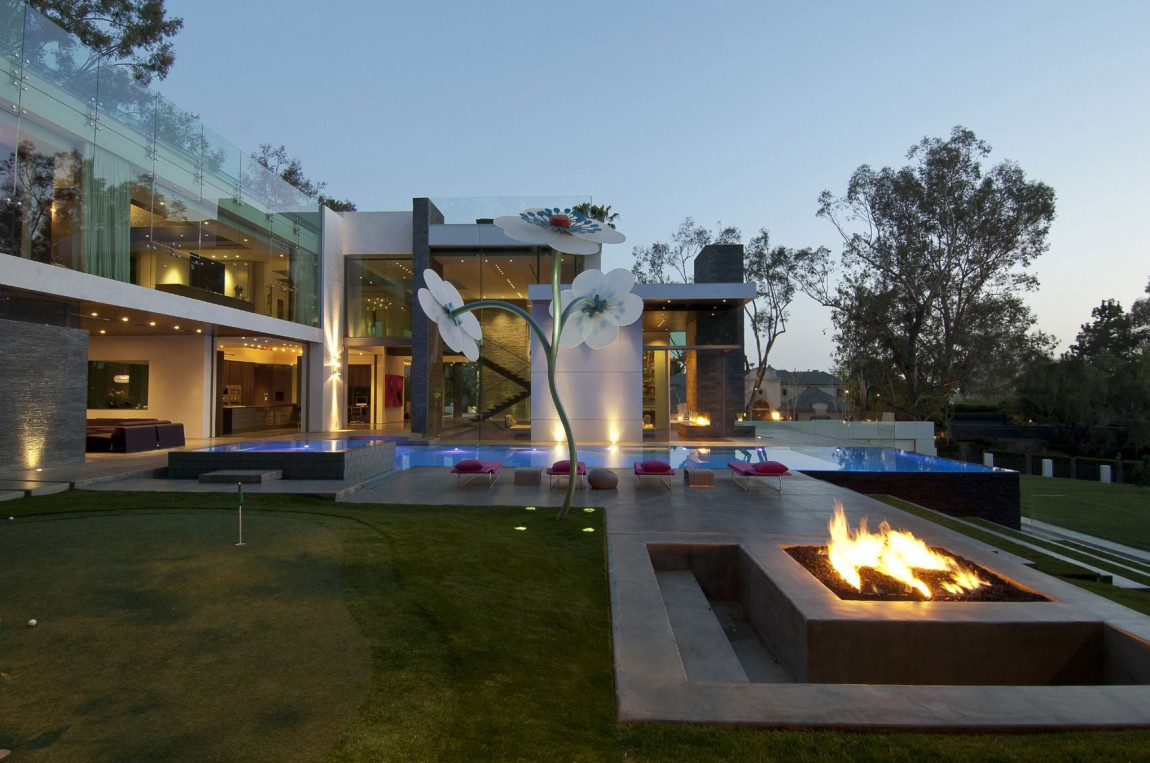villa-design-californie-facade-piscine