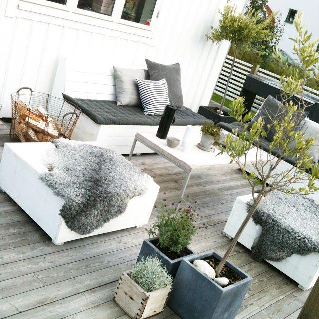 Terrasse patio 7 inspiration deco exterieur noir blanc for Deco exterieur terrasse