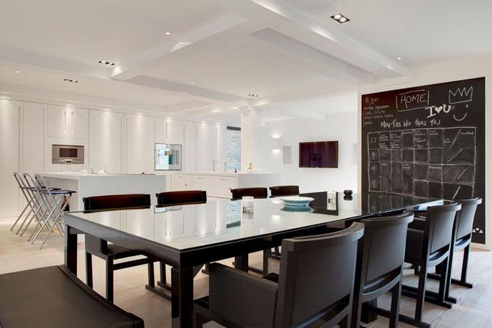 salle-manger-cuisine-blanche-ouverte
