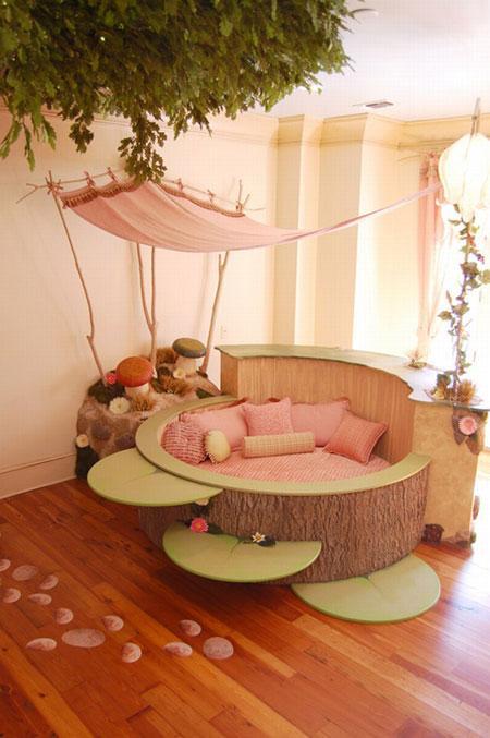 lit-original-1-chambre-foret-fille-arbre
