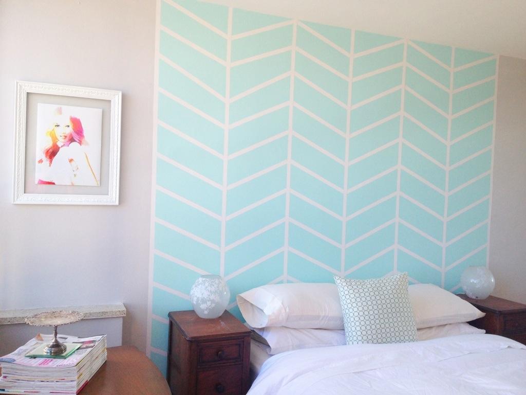 tete-de-lit-motif-peint