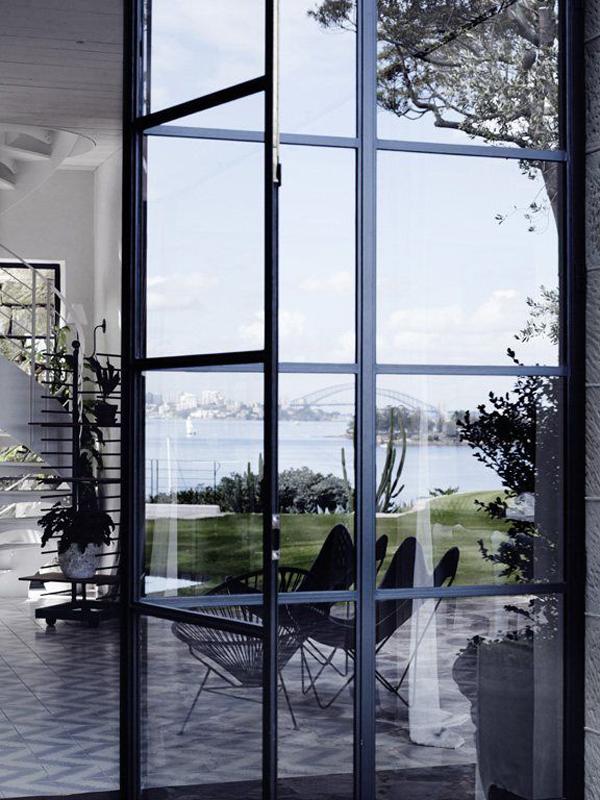 maison-deco-design-baies-vitrees-2-terrasse-pierres