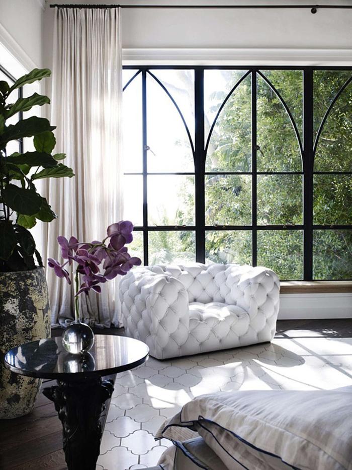 maison-deco-design-baies-vitrees-canapé-patio