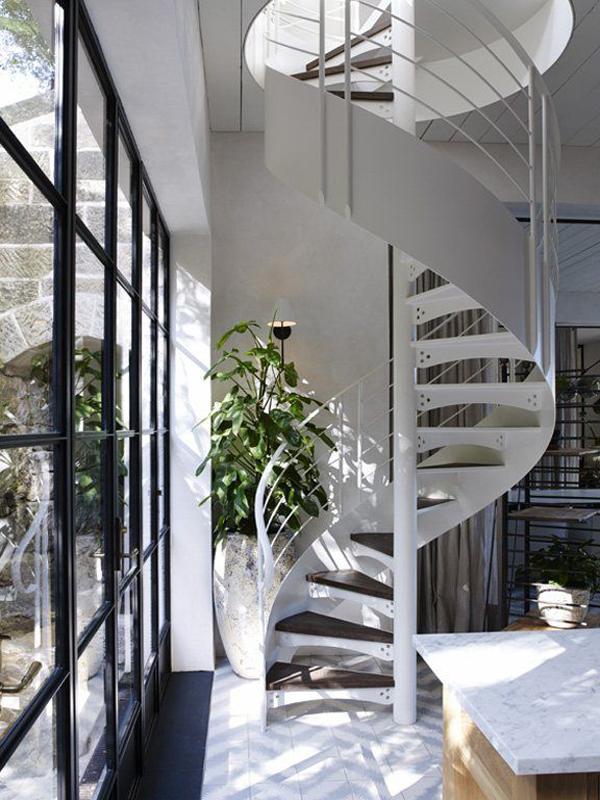 maison-deco-design-escalier-colimasson