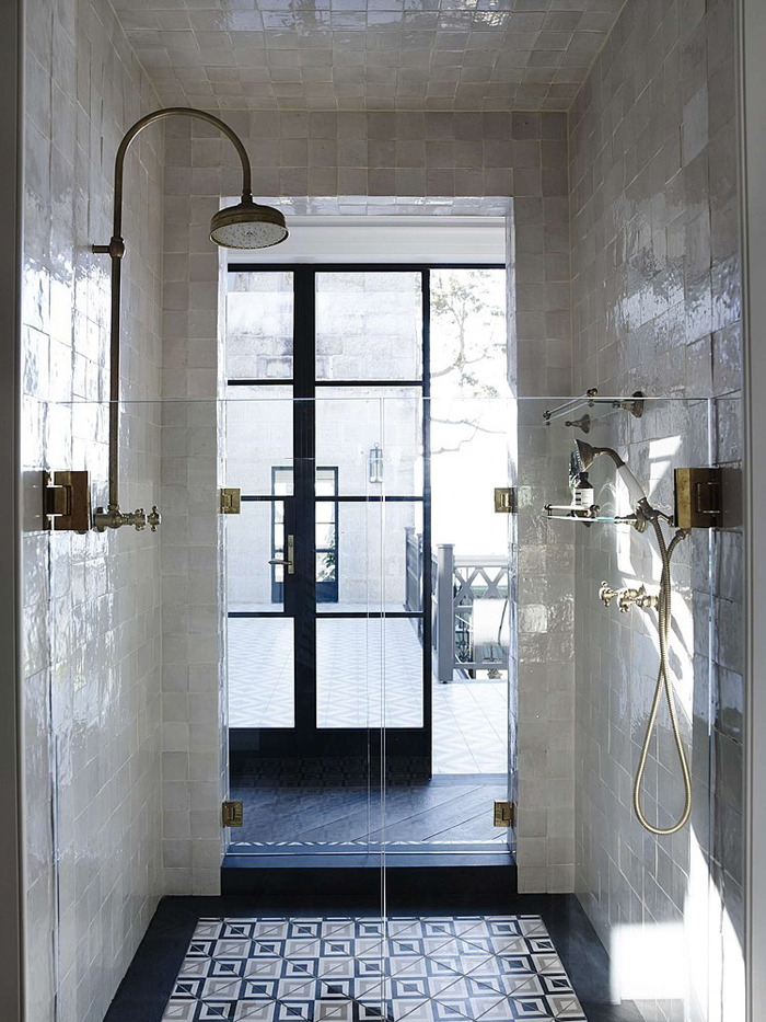 maison deco design salle bains douche carrelage mosaique. Black Bedroom Furniture Sets. Home Design Ideas