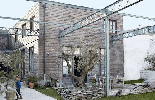 fabrique-rehabilitee-facade-bois
