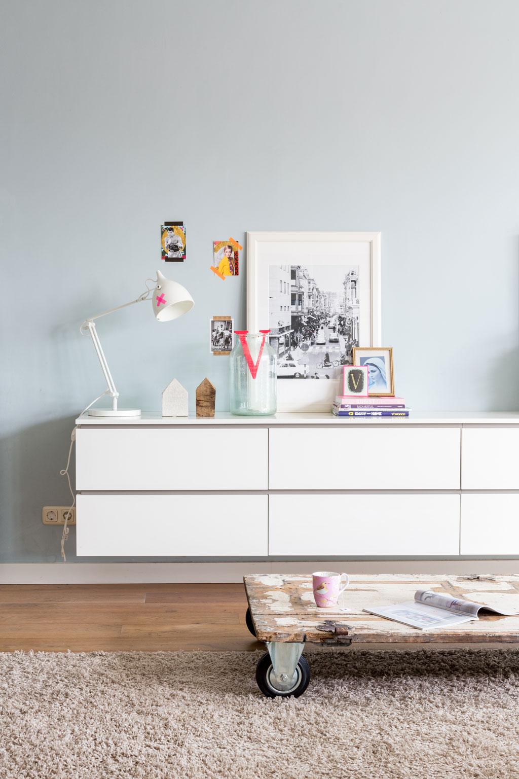 salon table recup roulettes. Black Bedroom Furniture Sets. Home Design Ideas