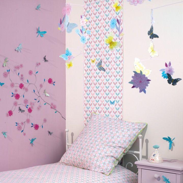 chambre-fille-papillon-fleur-djeco