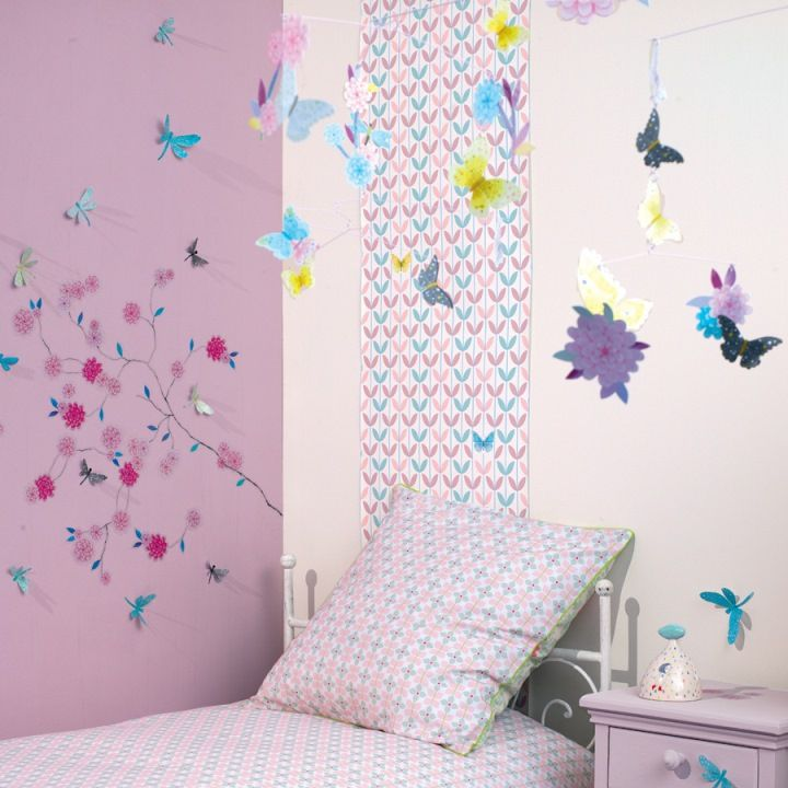 chambre fille papillon fleur djeco. Black Bedroom Furniture Sets. Home Design Ideas