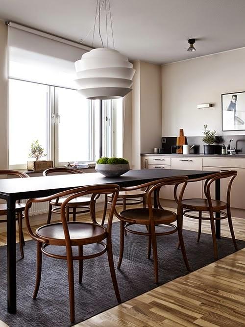 d co contrast e de tons naturels et noirs. Black Bedroom Furniture Sets. Home Design Ideas