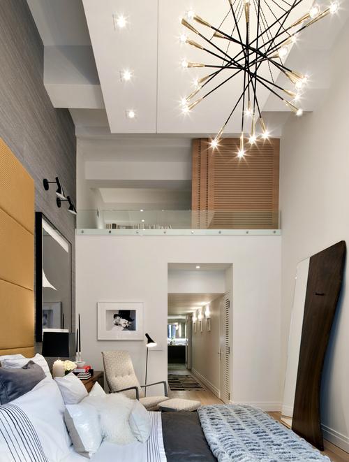Chambre contemporaine grande hauteur sous plafond - Chambre salle de bain ouverte ...