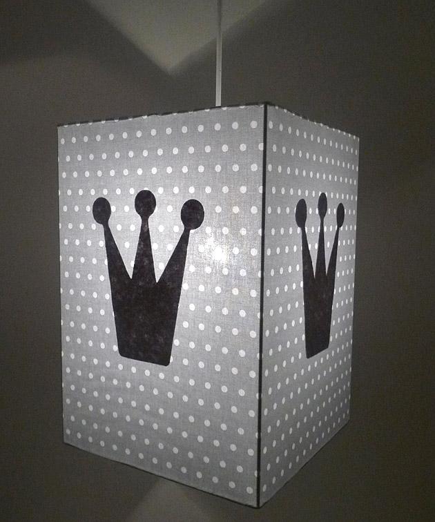 luminaires-deco-chambre-enfant-plafonnier-gris-pois-couronne