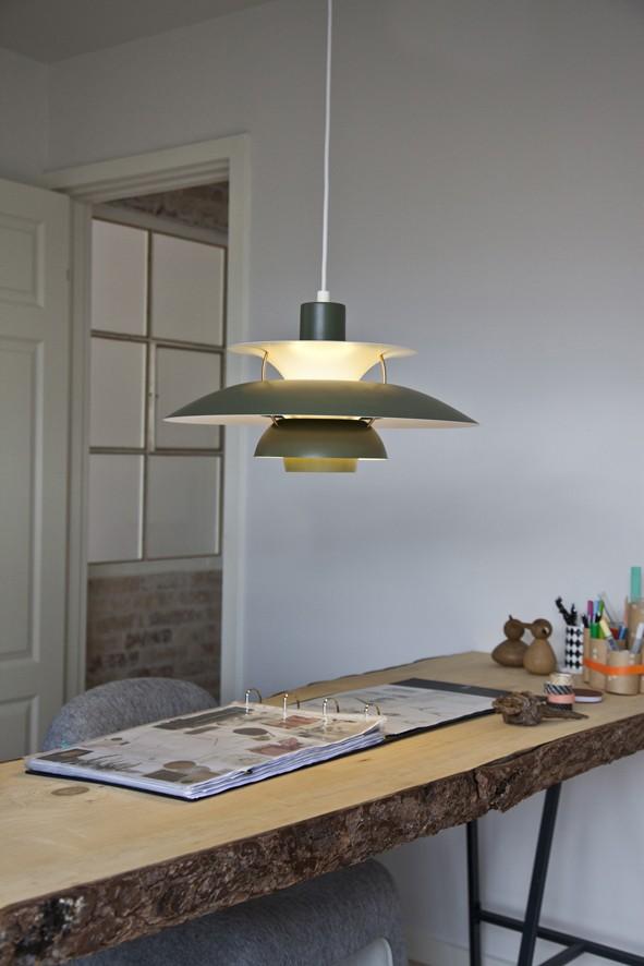 bureau bois brut caisson de bureau bois brut bureau en bois brut vieilli 2 tiroirs 130x50cm. Black Bedroom Furniture Sets. Home Design Ideas