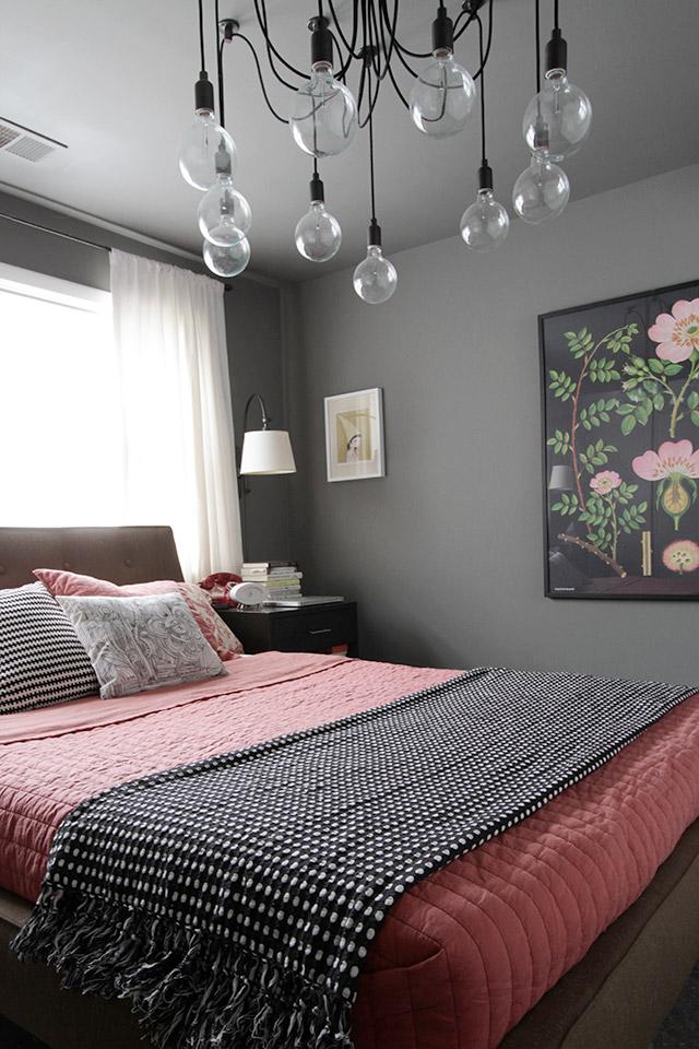 Decoration D Une Chambre En Gris Et Corail