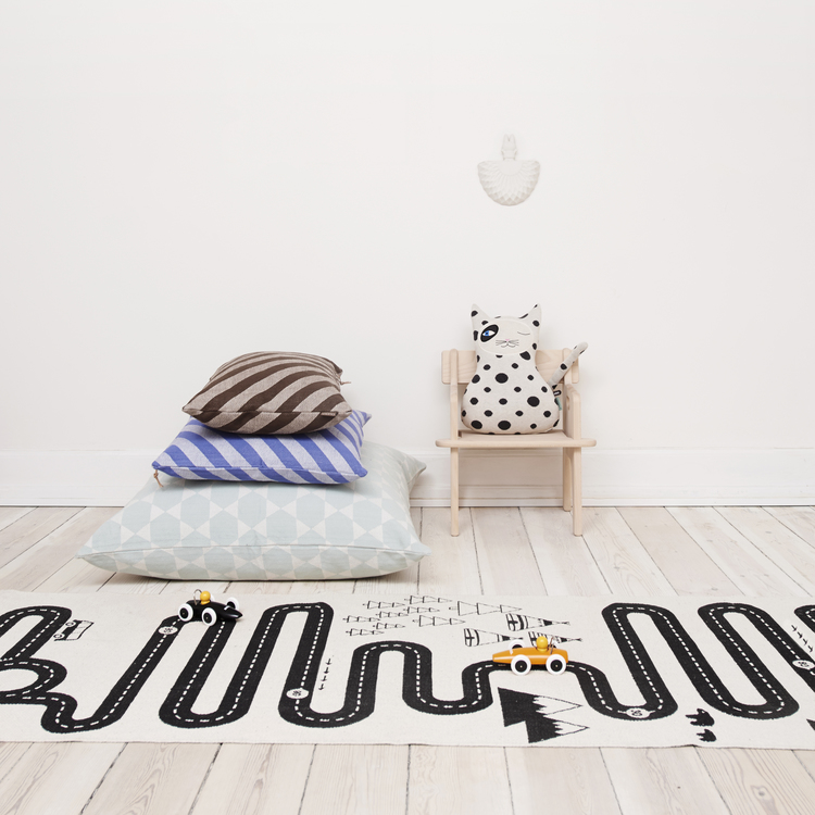 tapis chambre enfant oyoy. Black Bedroom Furniture Sets. Home Design Ideas