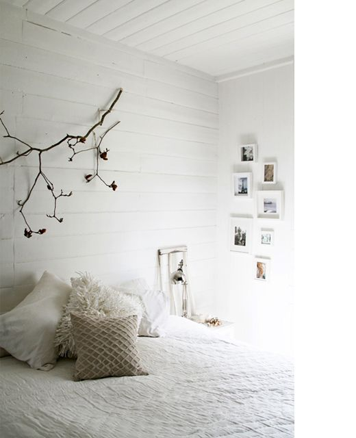 chambre blanche mur lambris blanc. Black Bedroom Furniture Sets. Home Design Ideas