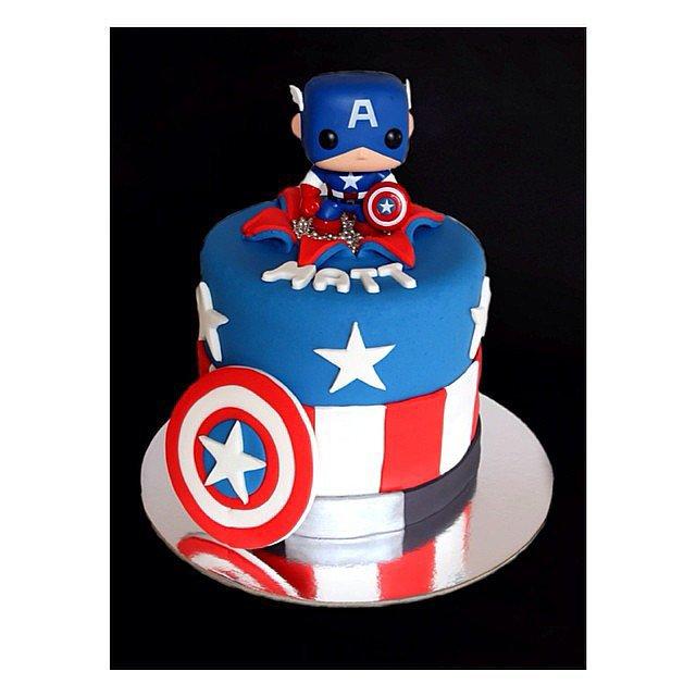 gateau-anniversaire-enfant-originaux-super-hero