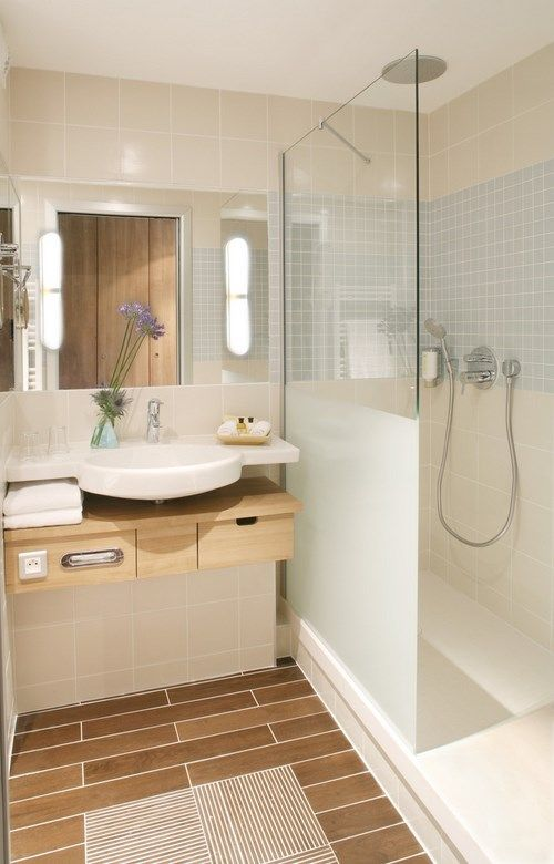 Salle bain douche italienne creme bois for Petite salle de bain douche italienne