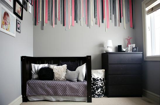 Chambre bebe fille mur gris fonce - Deco chambre bebe gris et blanc ...