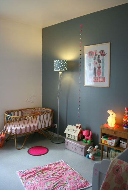 murs gris dans une chambre d 39 enfant. Black Bedroom Furniture Sets. Home Design Ideas