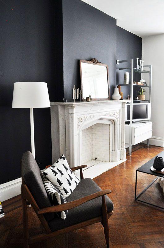 mur peint noir interieur design cheminee baroque. Black Bedroom Furniture Sets. Home Design Ideas