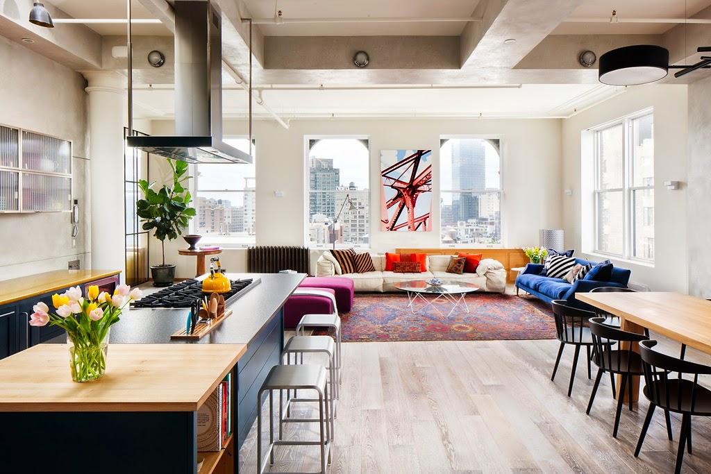 accents de couleurs dans un loft new yorkais. Black Bedroom Furniture Sets. Home Design Ideas