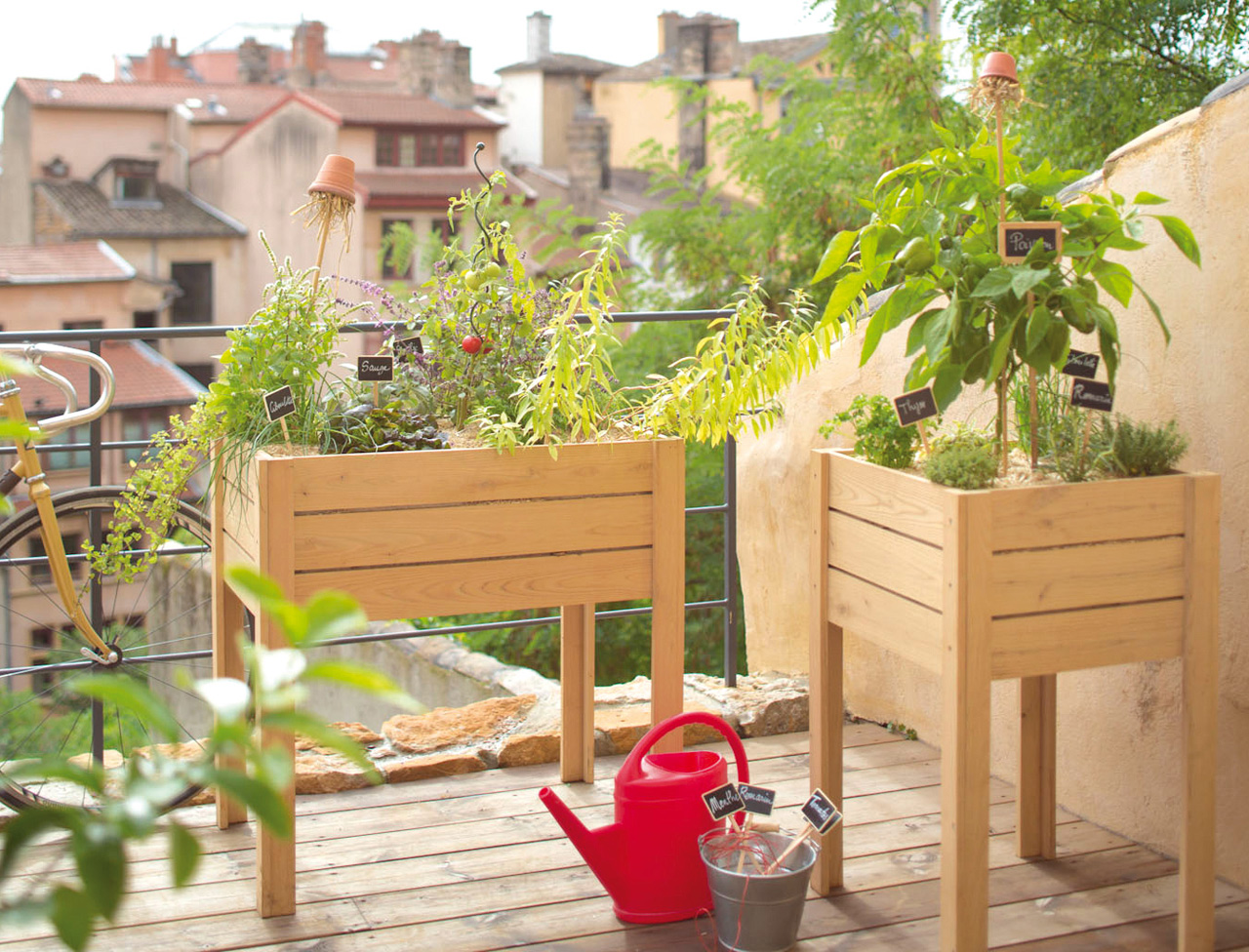 cr er un potager urbain sur un balcon. Black Bedroom Furniture Sets. Home Design Ideas