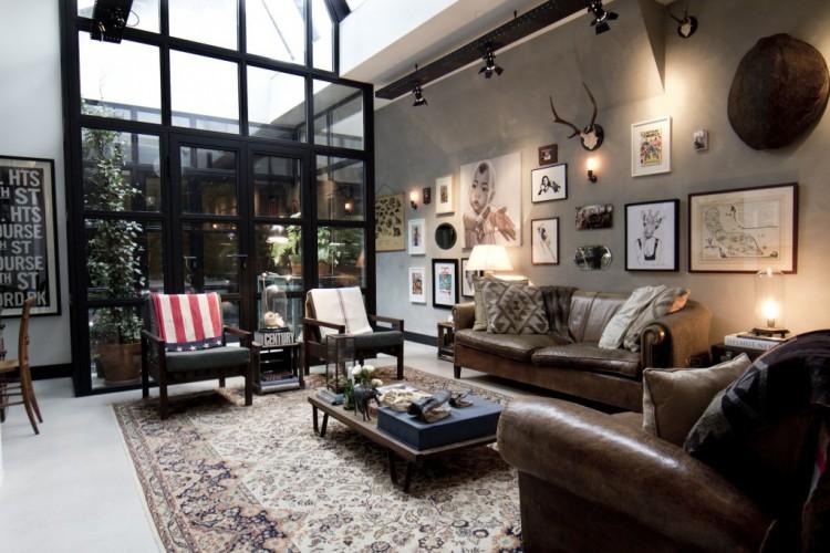 Salon avec un patio dans loft