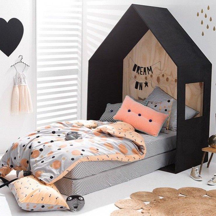 tete de lit cabane chambre fille couette imprime pois noir peche. Black Bedroom Furniture Sets. Home Design Ideas
