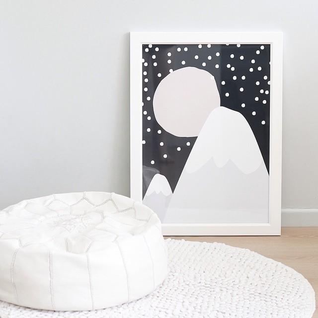 deco-vintage-pour-enfant-affiche-coulurs-pastel-montagne-nuit-neige
