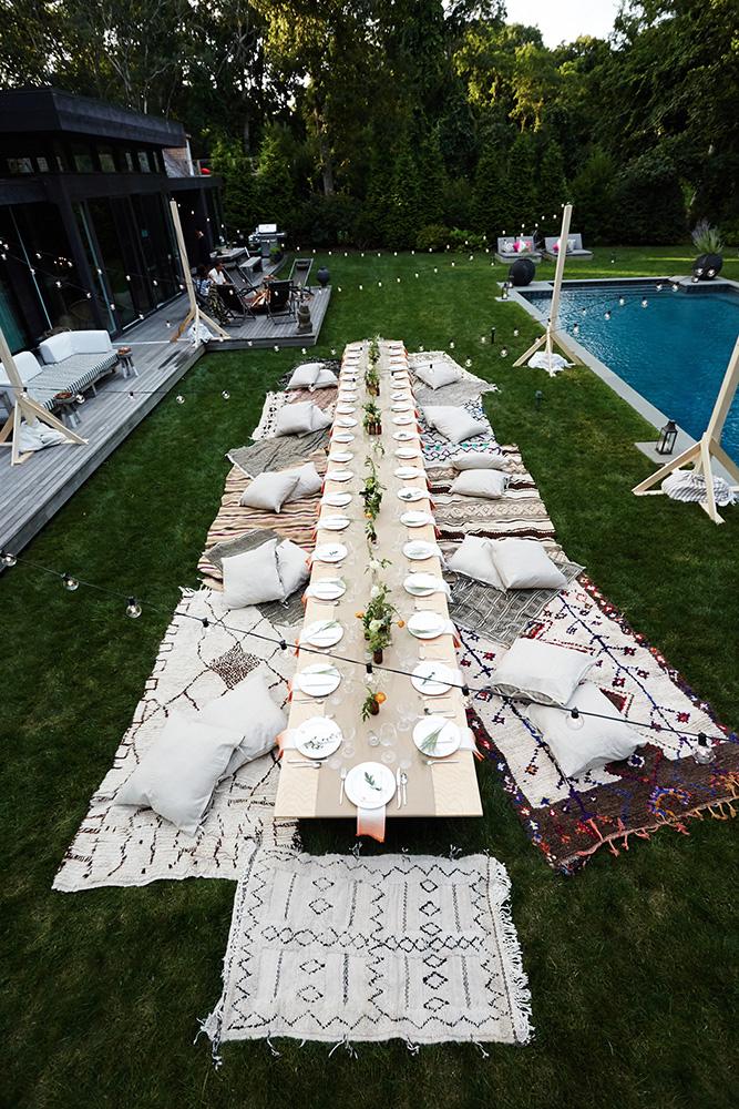 idee pour pique nique elegant champetre piscine table basse coussins deco art de la table tapis. Black Bedroom Furniture Sets. Home Design Ideas