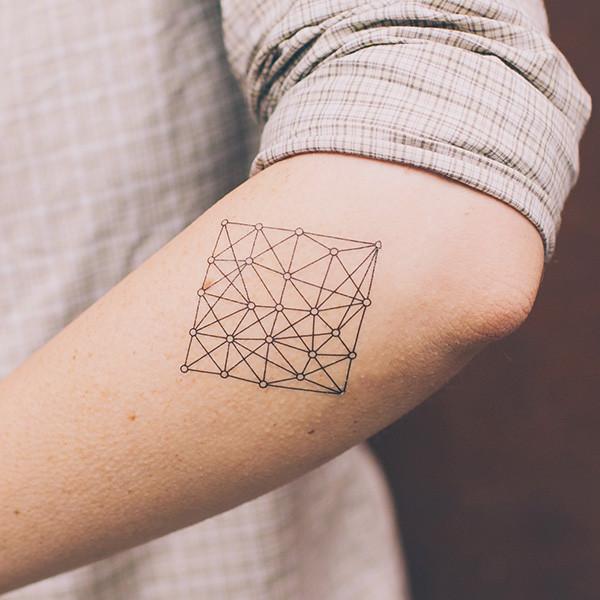 tatouage ephemere graphique