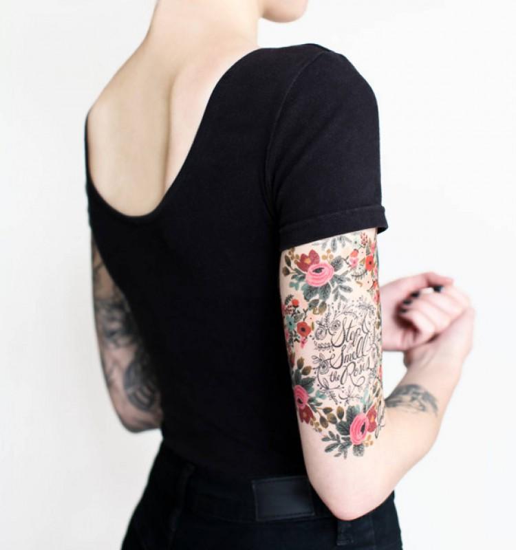 Tatouage éphémère motif floral