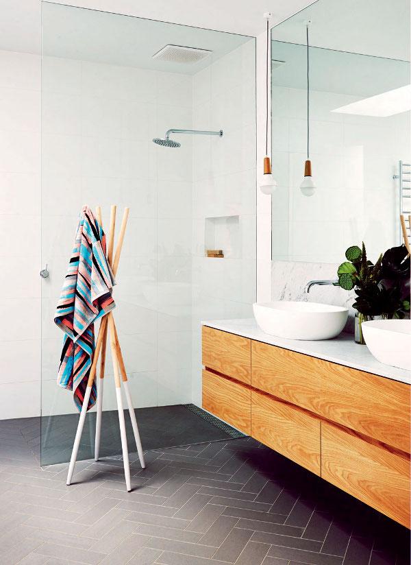 deco design salle de bains carrelage gris meuble bois vasuqes design porte serviette bois douch. Black Bedroom Furniture Sets. Home Design Ideas