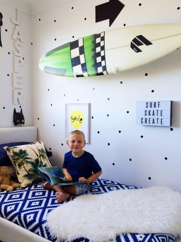 Chambre Garcon Surf : Chambre pour garçon avec rangements pratiques