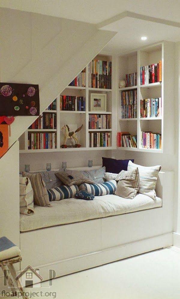 Coin lecture avec un canapé lit