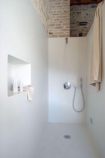 corian-resine-salle-de-bains-douche-italienne-design-blanc