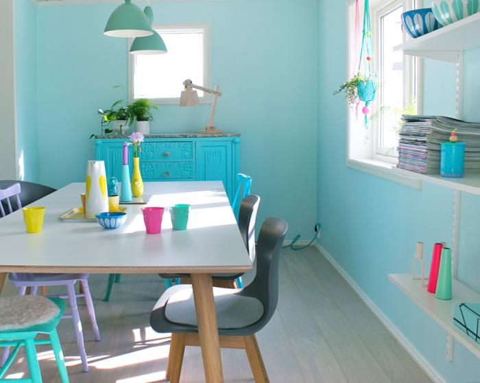 De la couleur dans un appartement scandinave - La couleur turquoise appartement plasterlina ...