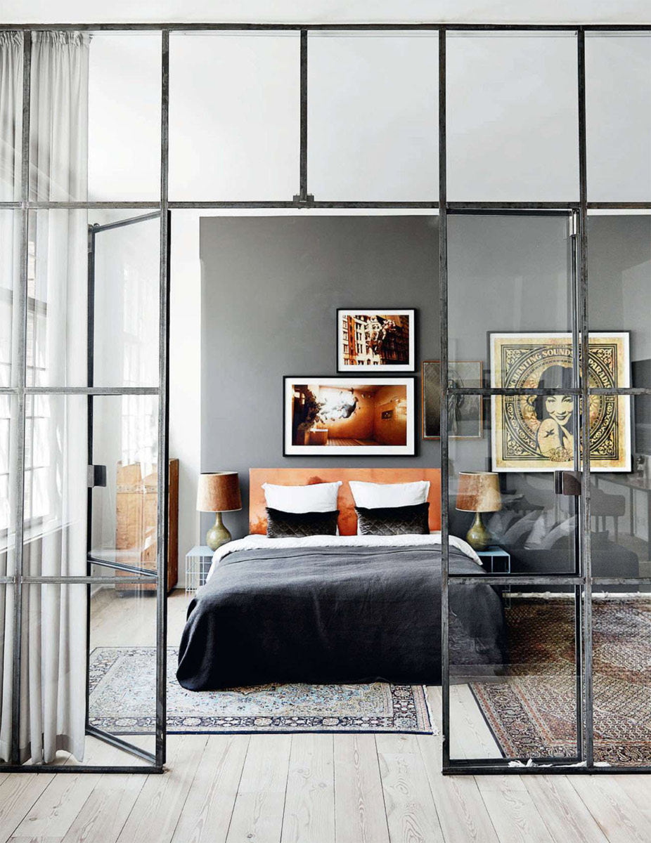 verri re d 39 atelier dans une chambre pour une ambiance industrielle. Black Bedroom Furniture Sets. Home Design Ideas