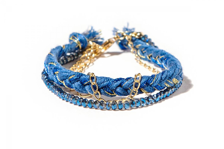 bijoux-createur-faits-main-bracelet-manchette-dore-fil-perles-bleues-jez-handmade
