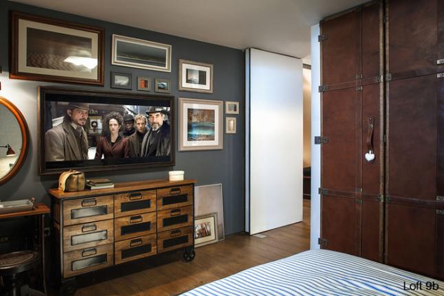 Déco d'une chambre avec un mur gris bleu