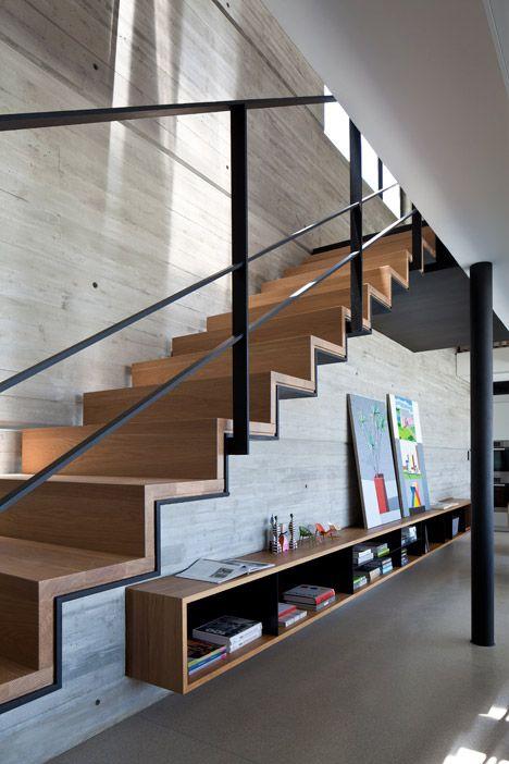 Escalier en bois deco design plaquage boid sol beton cire for Beton cire escalier bois