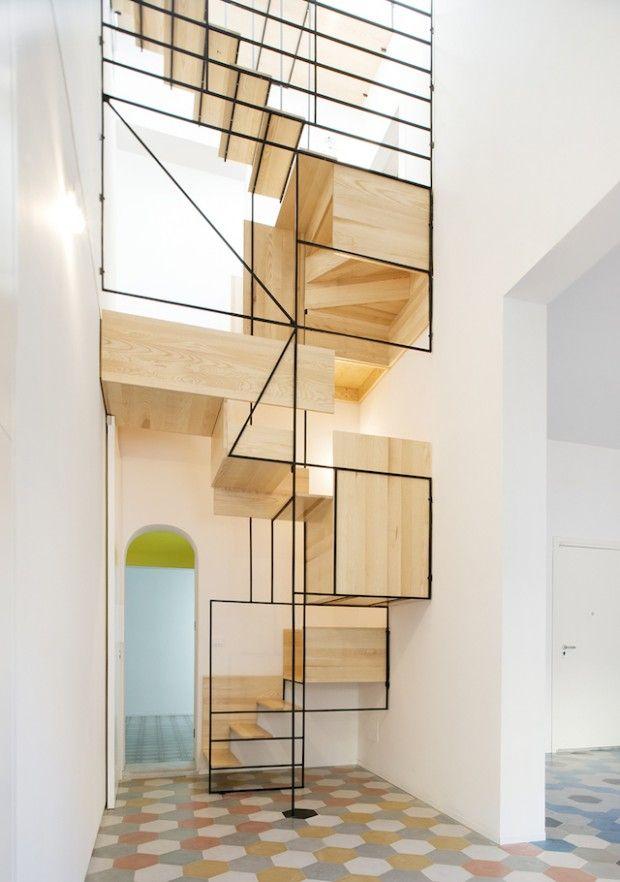 escalier-en-bois-design-cubes-deco-toute-blanche
